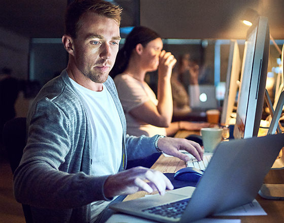 The night owls in networking mode